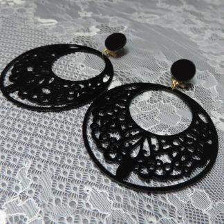 detail hoop earrings