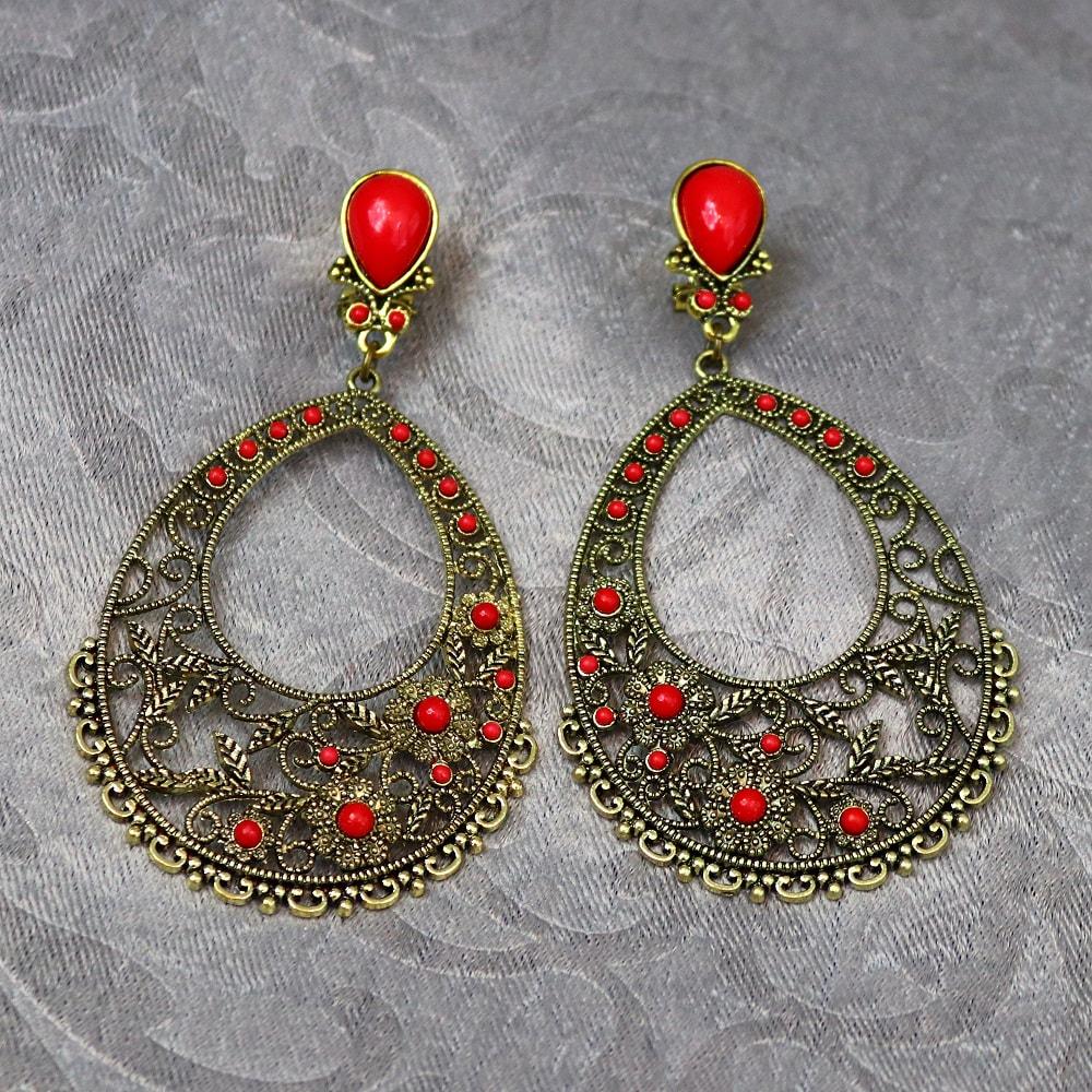 Dangle flamenco earrings
