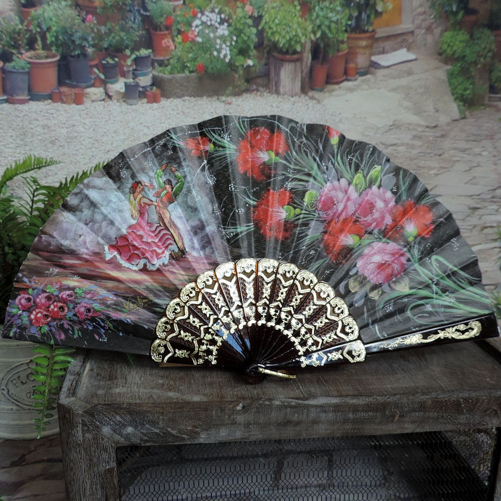 exquisite Spanish hand fan