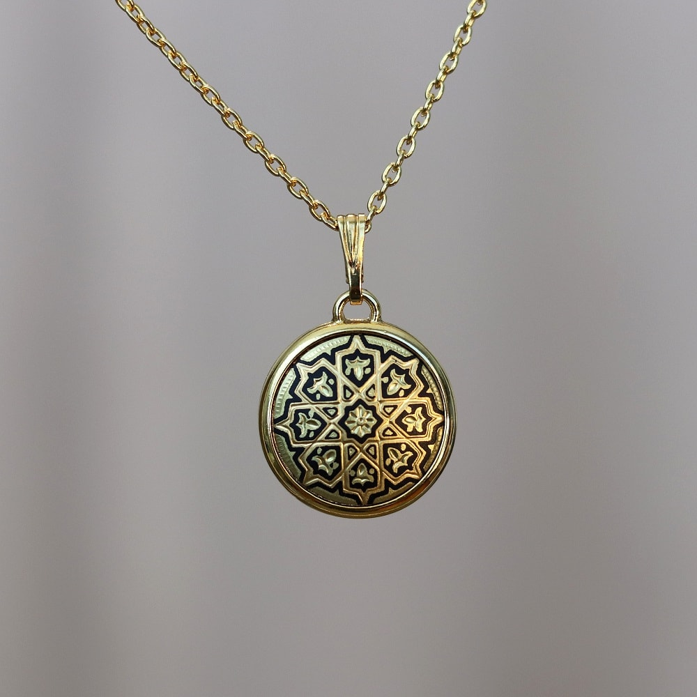 round damascene necklace
