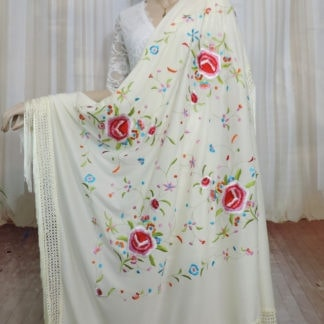 traditional Spanish manton shawl